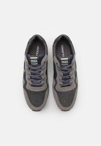 Jack & Jones - JFWSTELLAR - Sneakersy niskie - frost grey - 3
