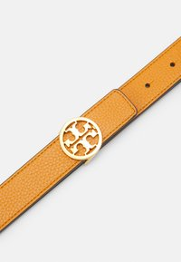 Tory Burch - REVERSIBLE LOGO BELT - Pásek - squash/cloud blue/gold - 3