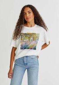 PULL&BEAR - T-shirt med print - white - 6
