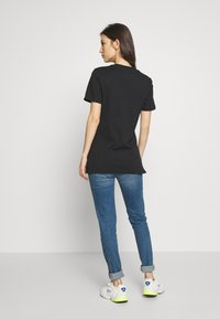 adidas Originals - TEE - T-shirt z nadrukiem - black - 2