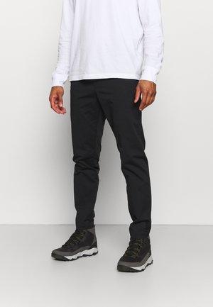 MOMENT NARROW PANT - Pantalones - black