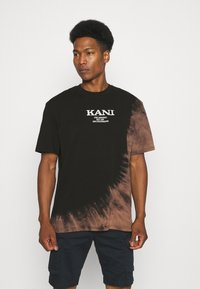Karl Kani - RETRO BLEACHED TEE UNISEX - T-shirt con stampa - black - 0