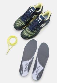Lotto - MIRAGE 100 CLY - Zapatillas de tenis para tierra batida - navy blue/yellow neon/all white - 5