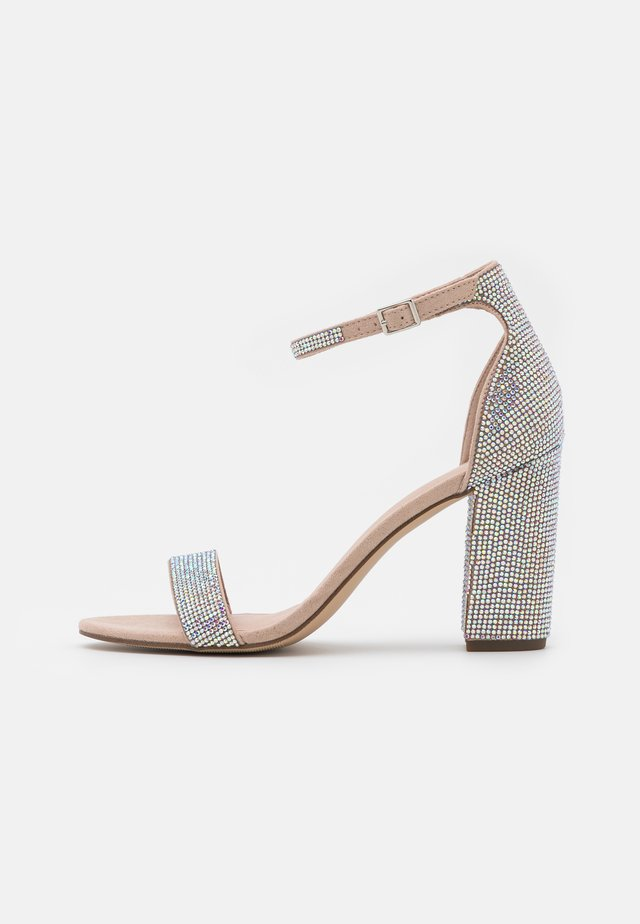 BEELLA - Sandals - blush/multicolor