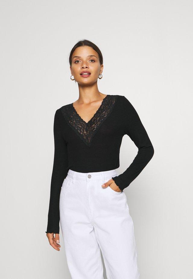 PCSIRI  - T-shirt à manches longues - black