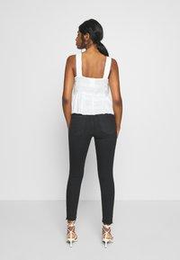 River Island Petite - Jeans Skinny Fit - black - 2