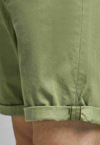 Jack & Jones - Shorts - deep lichen green - 4