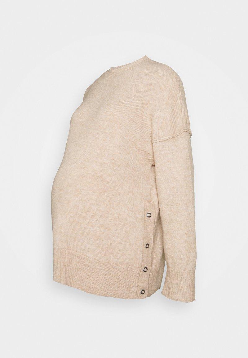 Cotton On - MATERNITY  SIDE BUTTON PULLOVR - Strikkegenser - beige