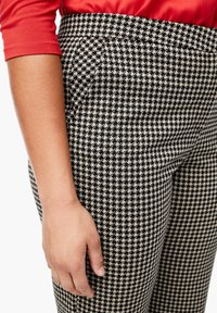 Triangle - Chinos - black houndstooth - 4
