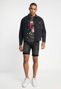 Jack & Jones - JJIRICK JJORIGINAL - Denim shorts - black - 1
