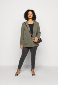 Levi's® Plus - 721 PL HI RISE SKINNY - Jeans Skinny Fit - true grit - 1