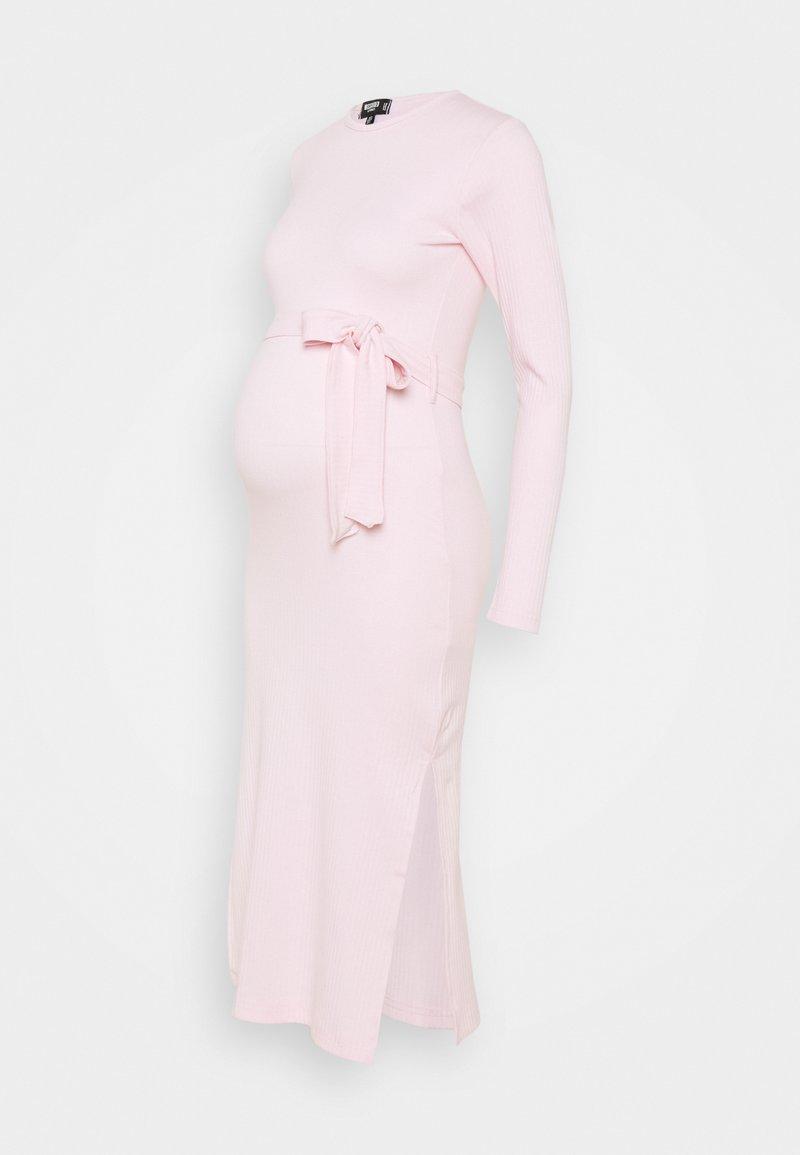 Missguided Maternity - SIDE MIDI DRESS - Žerzejové šaty - pink