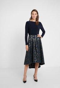 Lauren Ralph Lauren - LONG DRESS - Robe de soirée - gold/navy - 0