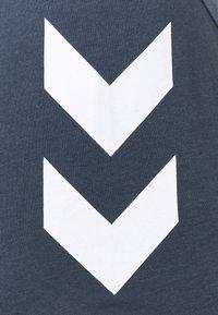Hummel - LEGACY 2 PACK - Print T-shirt - grey melange/blue nights - 4