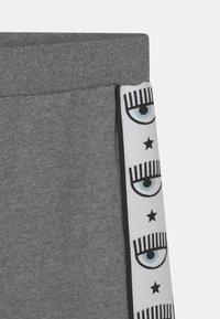 CHIARA FERRAGNI - TAPE ID - Tracksuit bottoms - grey - 2