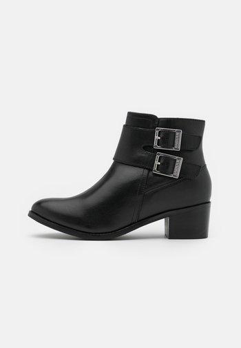 INGLEWOOD - Kotníková obuv - black