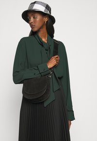Mulberry - OTTILIE BLOUSE - Camicia - dark green - 3