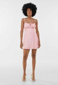Bershka - Sukienka letnia - pink - 1
