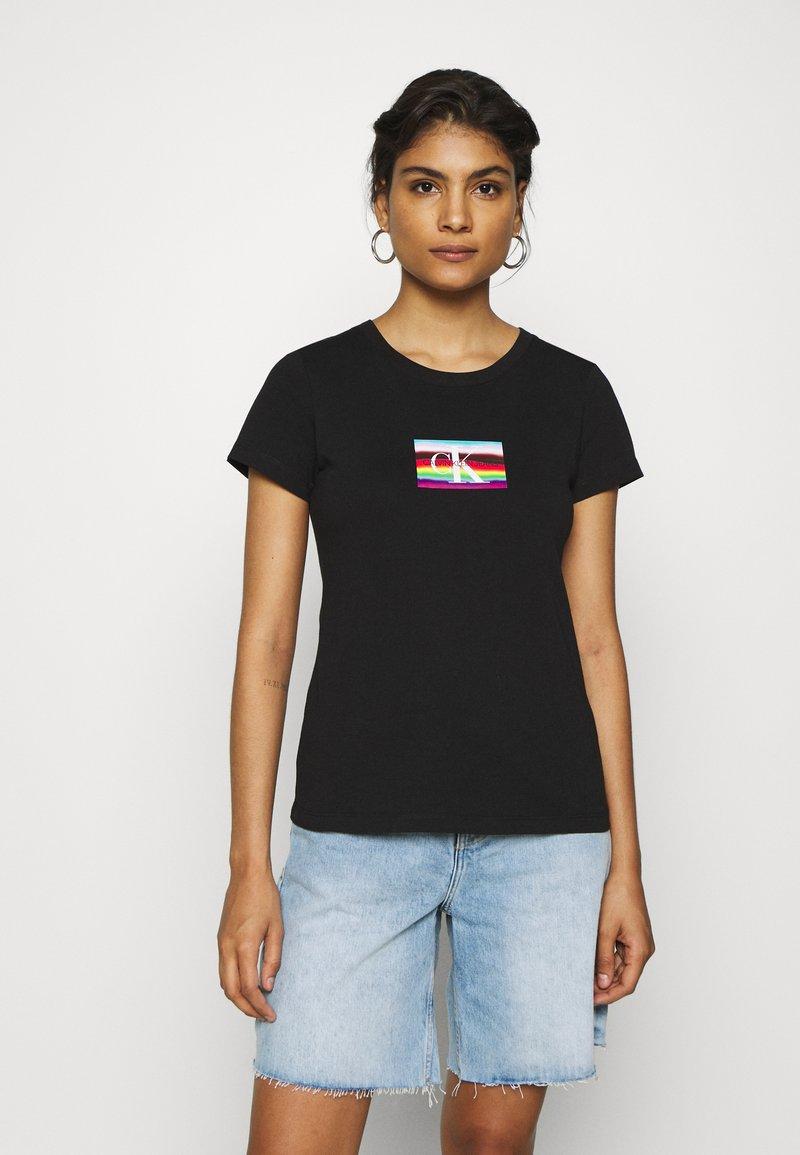 Calvin Klein Jeans - SMALL FLAG SLIM TEE - Print T-shirt - black