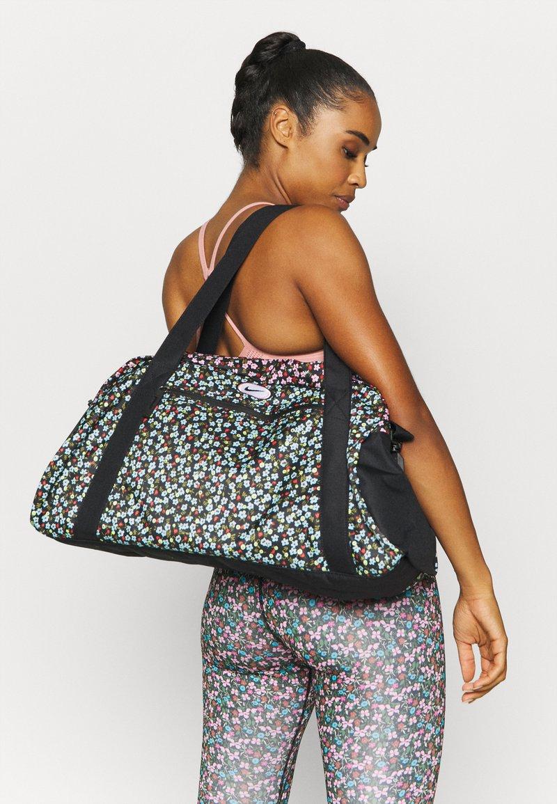 Nike Performance - GYM CLUB FEMME - Sports bag - black