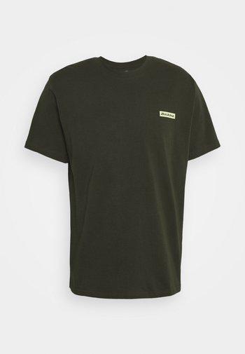 BOX TEE - Print T-shirt - olive green