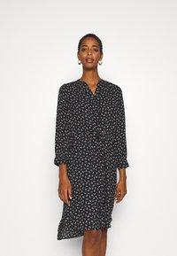 Selected Femme Tall - SLFDAMINA 7/8 DRESS - Hverdagskjoler - black - 0