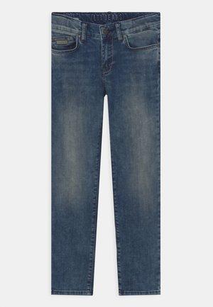JIM  - Slim fit jeans - jonelis wash