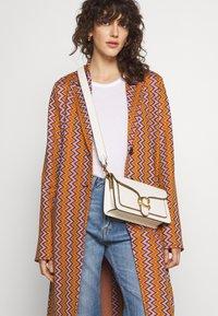 M Missoni - DUST COAT - Classic coat - pumpkin/giallo/blood/candy - 5
