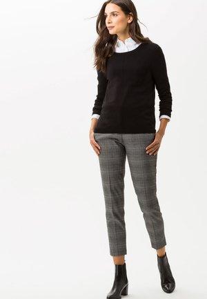 STYLE LIZ - Sweatshirt - black