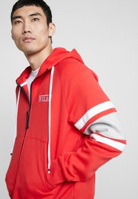 Nike Sportswear - HOODIE - Sudadera con cremallera - university red/white/black - 3