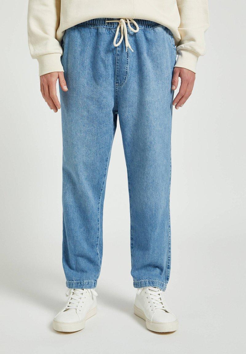 PULL&BEAR - Džíny Relaxed Fit - mottled blue