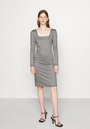 DRESS - Sukienka z dżerseju - black/white