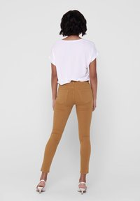 ONLY - ONLY SKINNY FIT JEANS ONLBLUSH MID ANKLE - Jeans Skinny Fit - chipmunk - 2