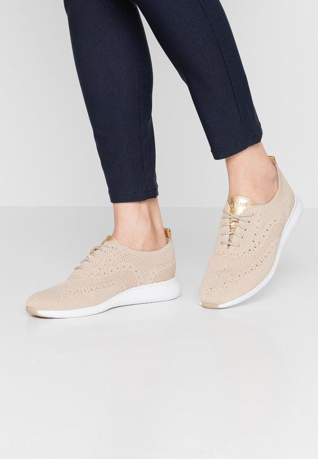 ZEROGRAND STITCHLITE OXFORD - Sneakers laag - rye/optic white