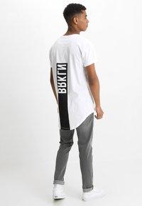 YOURTURN - Print T-shirt - bright white - 0