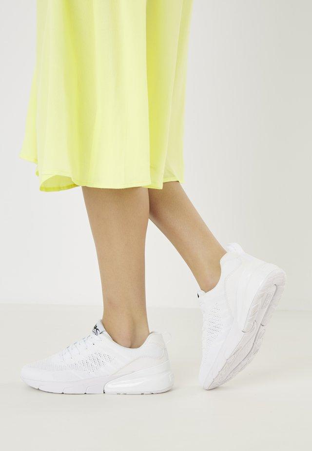 TURON - Sneakersy niskie - white