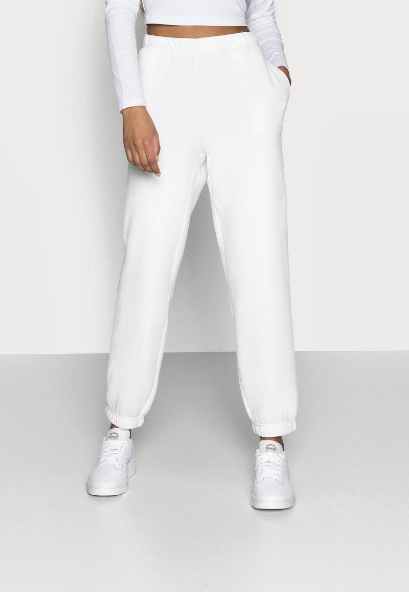 Gina Tricot Petite - BASIC - Pantalon de survêtement - offwhite