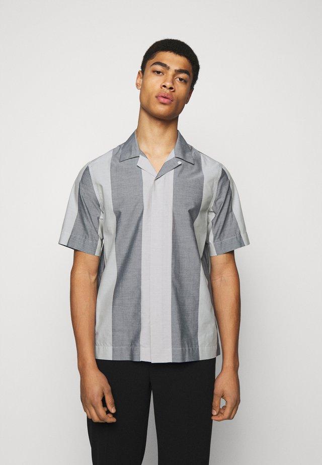 GENTS TAILORED - Koszula - white/grey