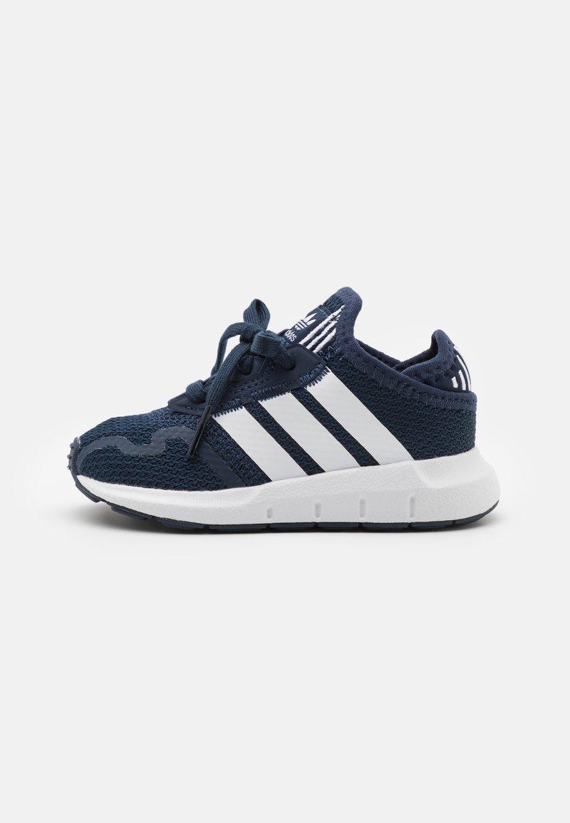 adidas Originals - SWIFT RUN UNISEX - Trainers - collegiate navy/footwear white/core black