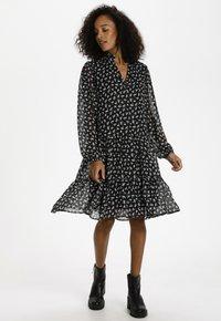Kaffe - KACAIPO DRESS - Day dress - black / chalk lurex flower - 1