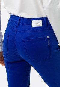 BRAX - STYLE.SHAKIRA - Jeans Skinny Fit - darkblue - 4