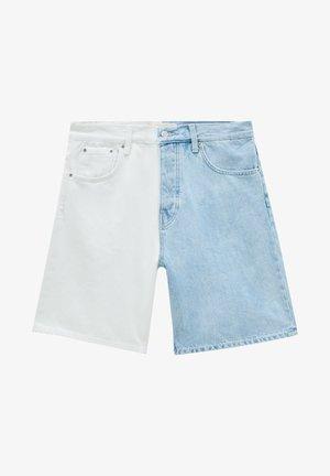 MIT COLOUR-BLOCK - Jeansshorts - white