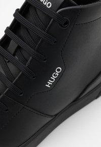 HUGO - HITO - Baskets montantes - black - 5