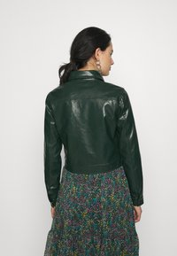 Glamorous - BUTTON FRONT JACKET - Bunda z umělé kůže - dark green - 2