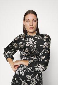 Dorothy Perkins - LARGEFLORAL HEMMIDI DRESS - Kjole - black - 3
