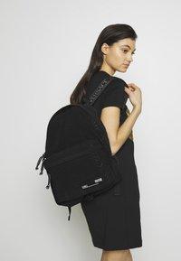 Versace Jeans Couture - Batoh - black - 6