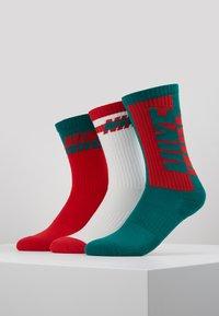 Nike Sportswear - EVERYDAY CUSH GIFT BOX 3 PACK - Strømper - red - 0