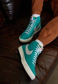Nike Sportswear - BLAZER MID '77 UNISEX - High-top trainers - neptune green/pure platinum/sail - 7
