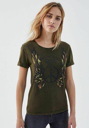 PEACE AND LOVE - Print T-shirt - kaki