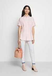 CLOSED - SENNA - Button-down blouse - soft pink - 1